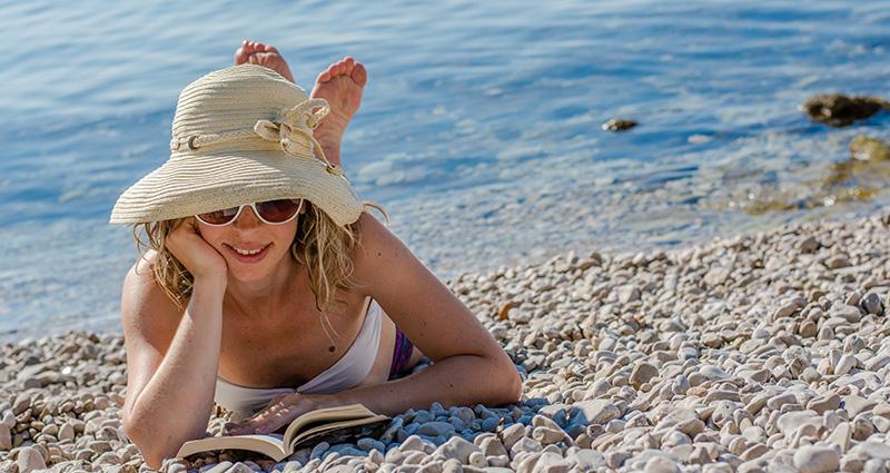 Naturalin književni klub: Štivo za plažu i