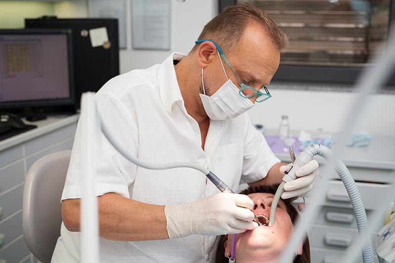 Zygoma implantati mijenjaju lice implantologije