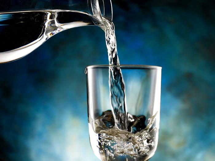 Alkalna voda - zdravstvena potreba ili konzumerski mit?
