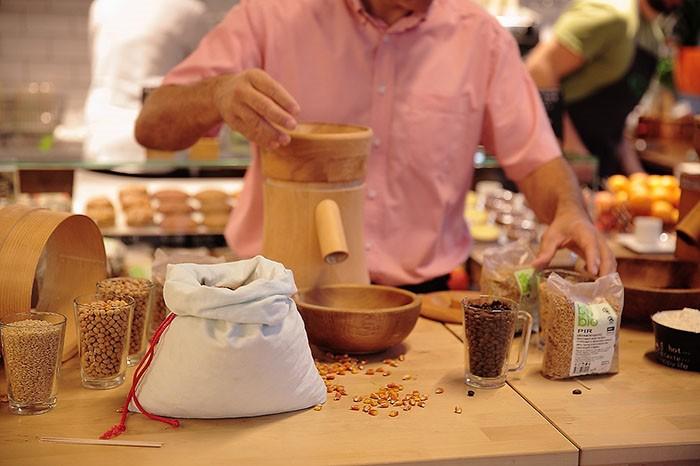 Odsada u bio&bio trgovini možete samljeti svježe brašno