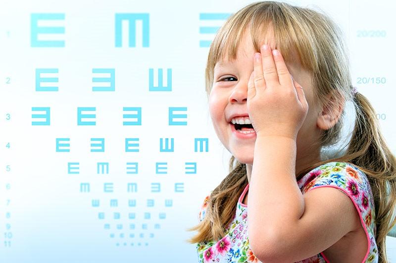 Djeca i kontaktne leće: Koja je idealna dob za početak nošenja kontaktnih leća?