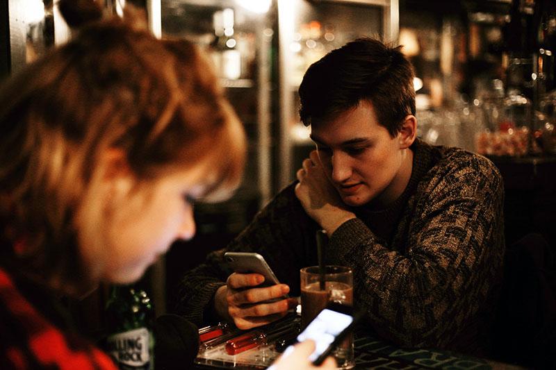 Kako prekomjerna uporaba pametnih telefona mijenja naš mozak?