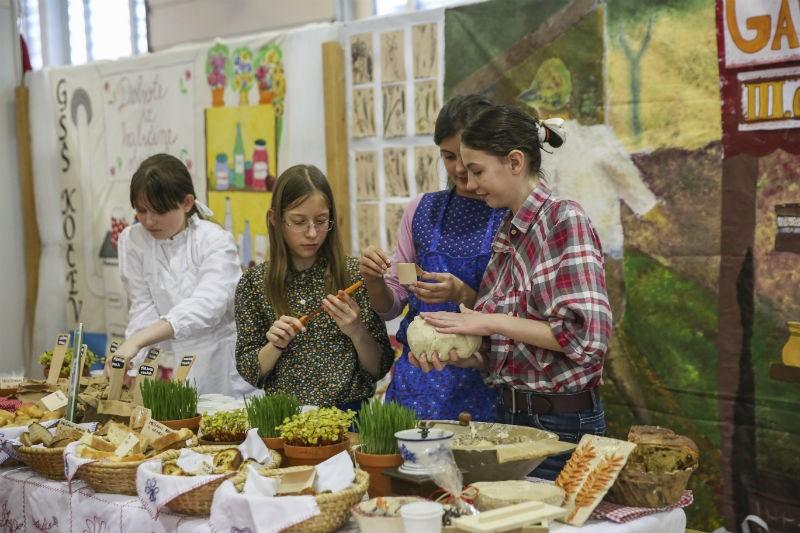 Proljetni sajmovi u Celju: Flora, Poroka, Altermed i ApiSlovenia - za svakoga ponešto