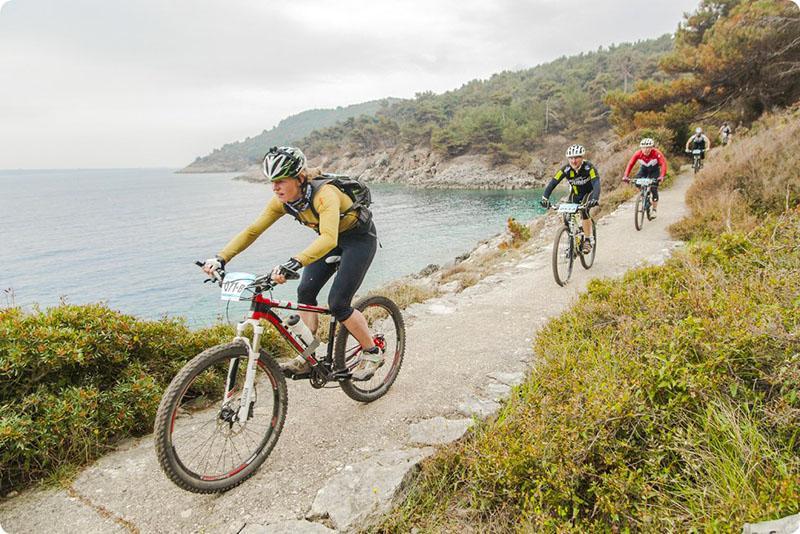 Vikend biciklističkih utrka na otoku Lošinju