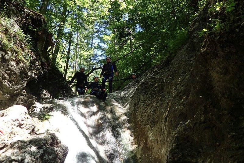 Slovenija na krilima adrenalina: canyoing u Bohinjskoj Bistrici, rafting na Soči i zipline na Bovcu