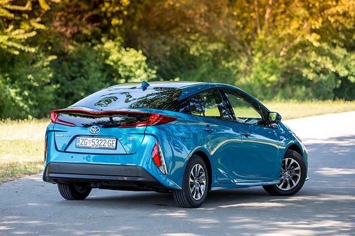 Toyota Prius Plug-in - bešumni hibrid koji čuva naš okoliš