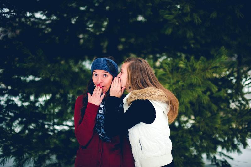 Zašto imamo potrebu prosuđivati druge - i što iz toga možemo naučiti o sebi?
