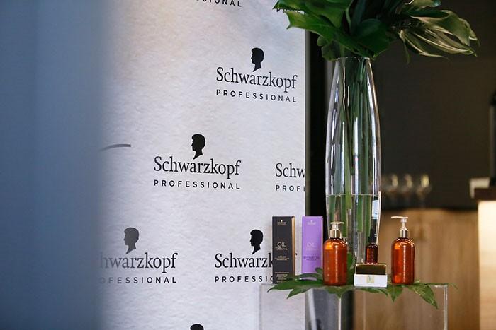Andrea Andrassy i Antonija Blaće oduševljene Schwarzkopf uljima za njegu kose