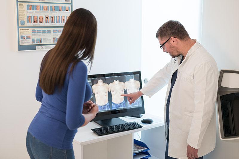 Dr. Dinko Bagatin: Rekonstrukcija dojke ženama vraća samopouzdanje
