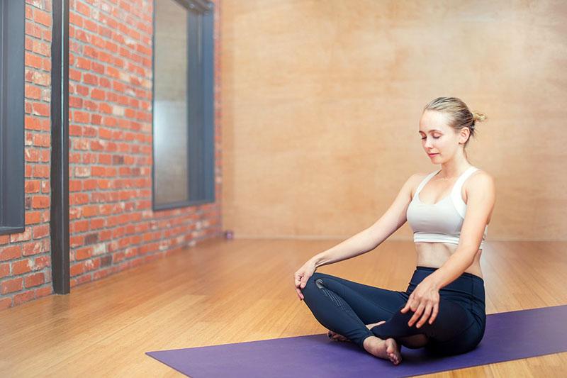 Kad zaprijete bolovi u vratu i ramenima, u pomoć stiže joga