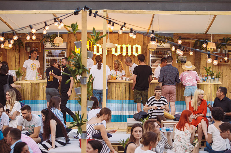 Corona Sunsets Session pop up bar - nova lounge zona za opuštena ljetna druženja