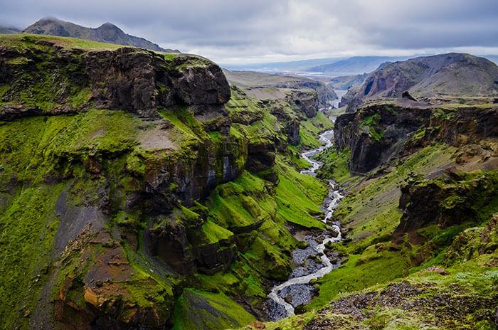 Island: Bajkovit otok glečera, gejzira i vilenjaka