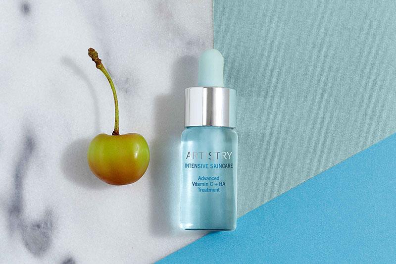 Sinergija vitamina C i hijaluronske kiseline u novom proizvodu Artistry Intensive Skincare