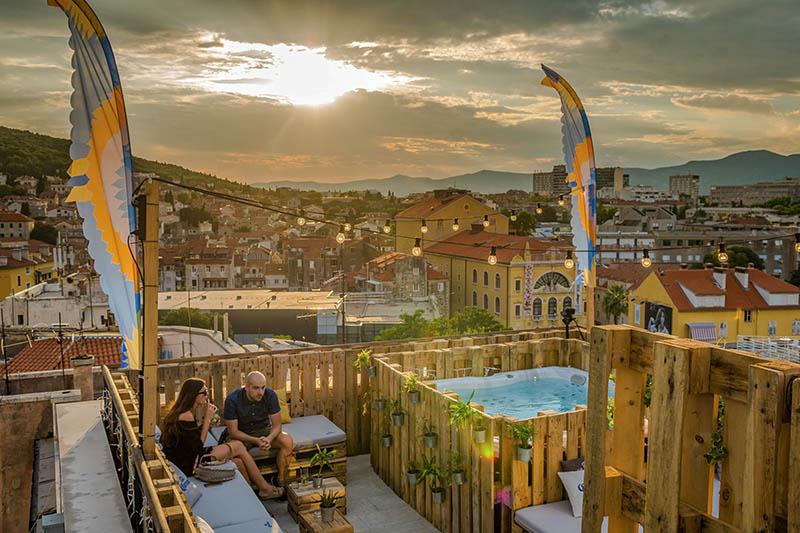 Corona Sunsets Session: Nova chill oaza u Splitu koju ne želite zaobići