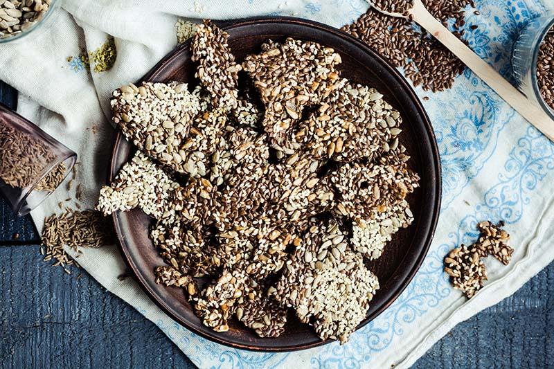 Hrskavi krekeri sa sjemenkama koje mogu jesti i oni na keto dijeti