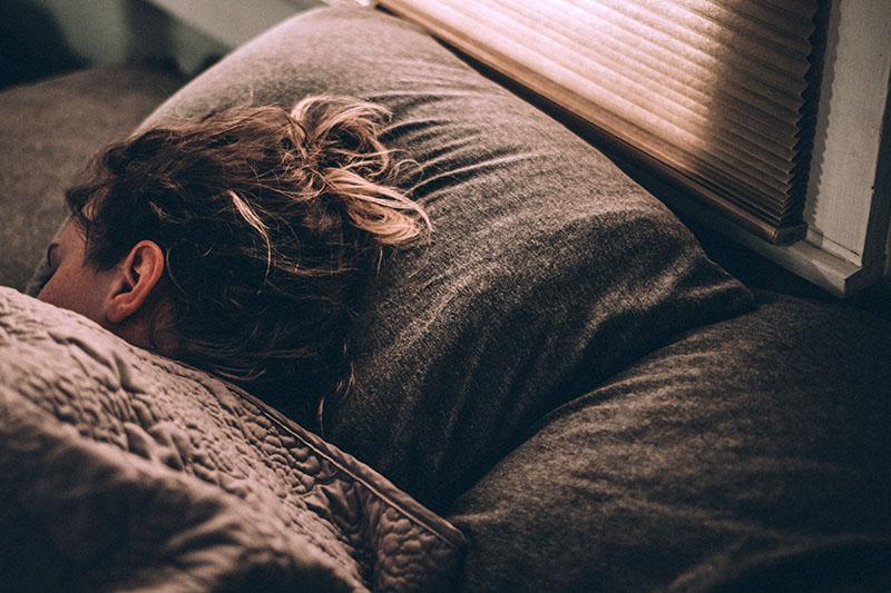 'Jedna neprospavana noć tu i tamo ne može naštetiti.' Krivo!