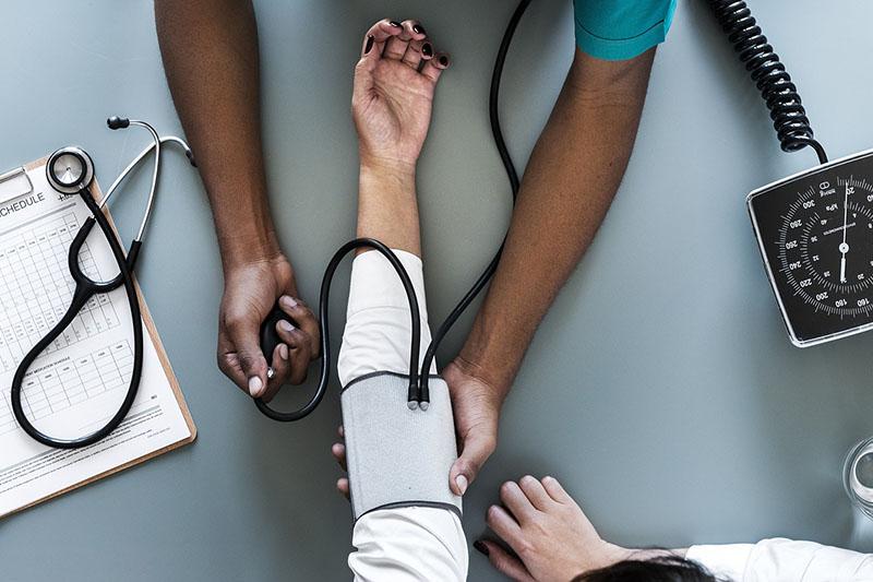 Imaš visoki krvni tlak? Znanstvenici ga sada povezuju s razvojem Alzheimerove bolesti