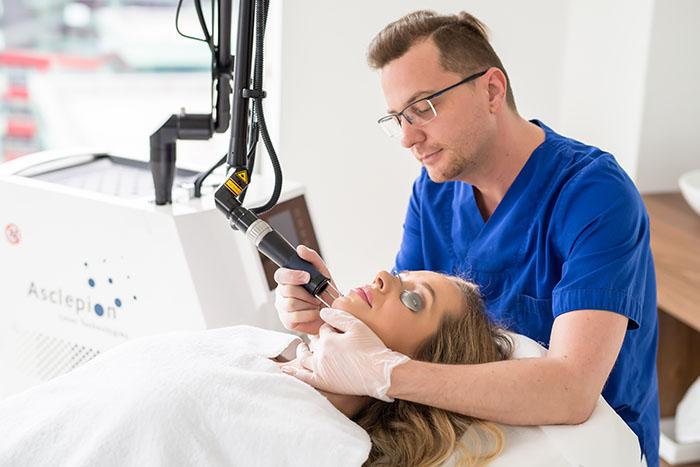 Zaboravite na igle, jer tu je novi premium tretman Laser Serum Infusion