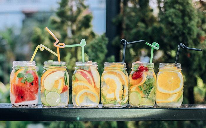 Kad ti dosadi obična voda, isprobaj ove s jesenskim okusima