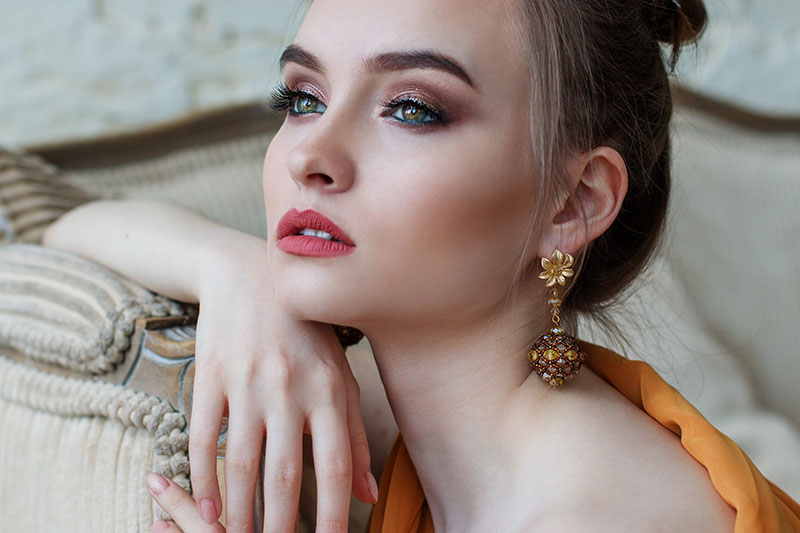 VIDEO: Kako kreirati glamurozan look za posebne prigode?