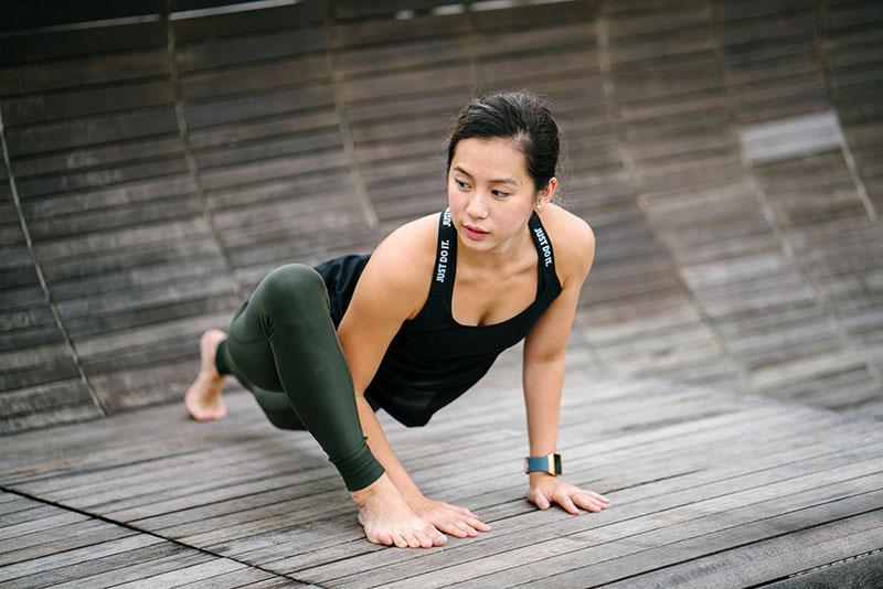 Predugo sjediš? Istegni mišiće kukova uz 4 jednostavne vježbe