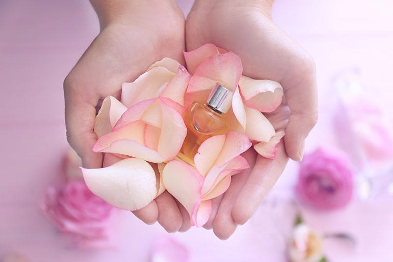 Tako lako: Napravite prirodni parfem s eteričnim uljima
