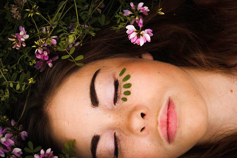 Uljni serum za njegu lica – tako jednostavan, a tako moćan