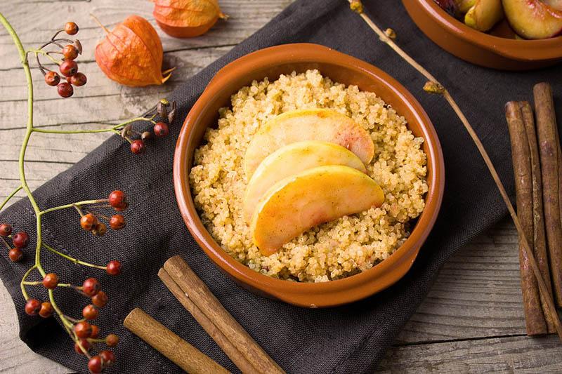 Za bezglutenski početak dana: Kvinoja s jabukama i cimetom