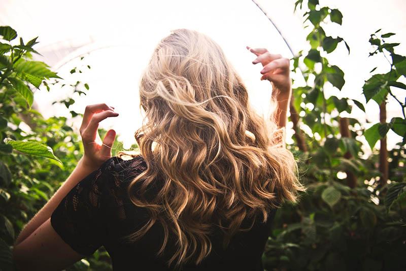 Proljetno ispadanje kose? Eterična ulja tome staju na kraj