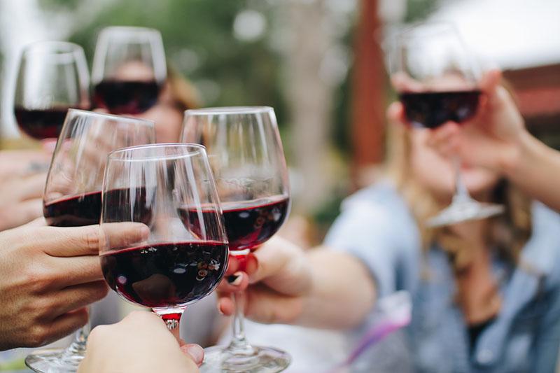 Čaša vina i drugi mali gušti…