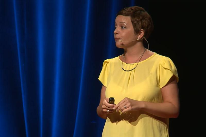 VIDEO: Sarah Knight - kako vam se život čudesno mijenja kada vam se živo j**e
