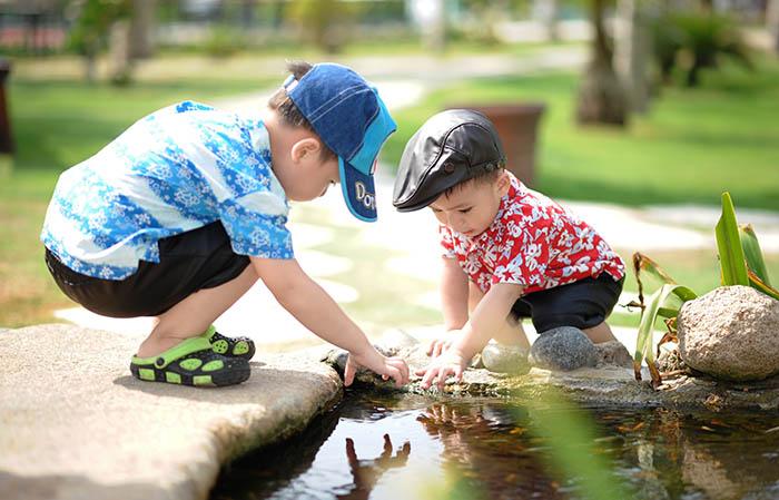 Potvrdila znanost: Djeca koja provode više vremena na otvorenom odrastaju u sretnije odrasle osobe