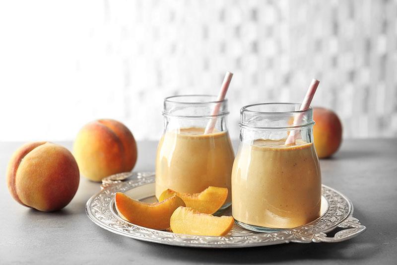 Ljetni smoothie od breskve dolazi uz tajni protuupalni sastojak