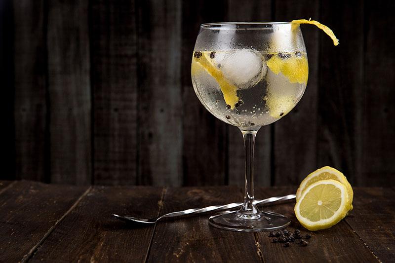 Gin tonic: Ljetni klasik u tri varijacije