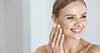 Mali vodič za čišćenje lica: trebaš li
