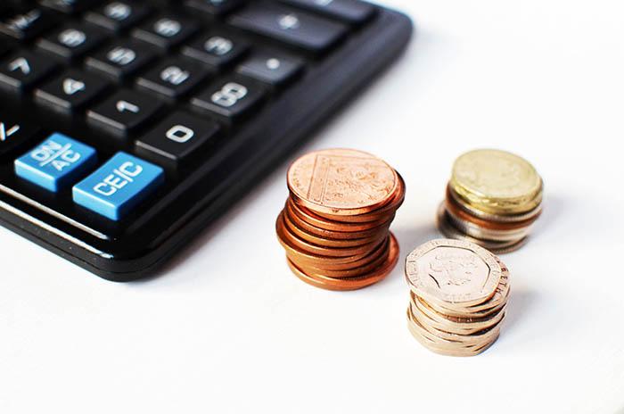 Čini se da ti novac curi kroz prste? Usvoji 5 navika koje će olakšati štednju i upravljanje novcem