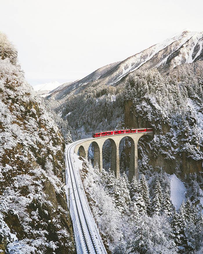 Vožnja vlakom kroz Švicarsku vjerojatno je najspektakularnije putovanje željeznicom u Europi