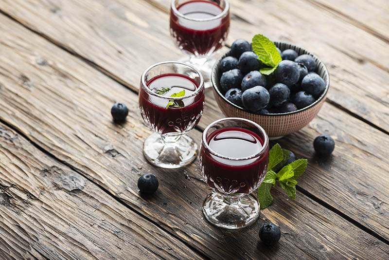Borovnička - liker od borovnica za koji će se tražiti čašica više
