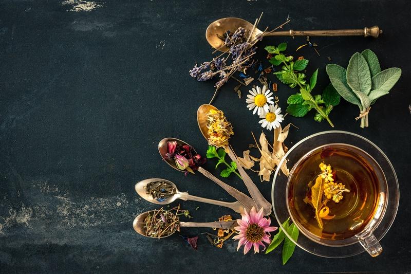 Kad se želudac pobuni: Ovi biljni čajevi staju na kraj probavnim smetnjama