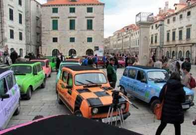 Kolona Renaulta 4 na Stradunu
