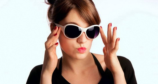 10 odjevnih predmeta koji ne izlaze iz mode